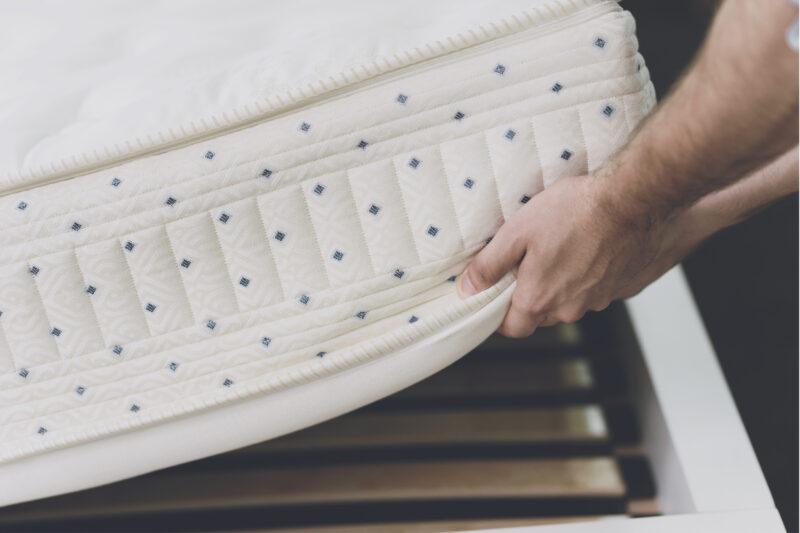 zucchi-design-di-interni-mandello-del-lario-produzione-materassi-su-misura-personalizzabili-molle-memory-foam